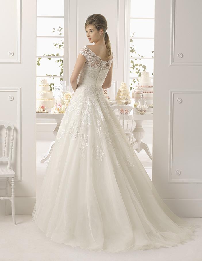 Exklusive spanische Brautkleider, vestidos de novia. - Brautkleider ...