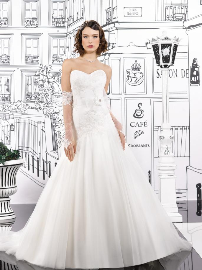 Gemütlich Hochzeitskleid In Paris Galerie - Brautkleider Ideen ...